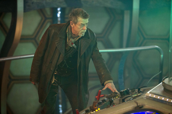 John-Hurt-in-Doctor-Who-The-Day-of-the-Doctor_gallery_primary